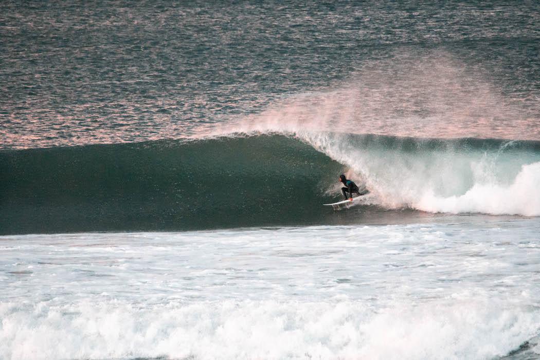 En Salinas se surfea todos los días width=