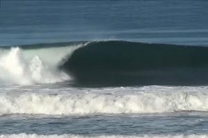 Surfista disparado en Costa Rica. En nuestro surf camp en Asturias nadie te dispara