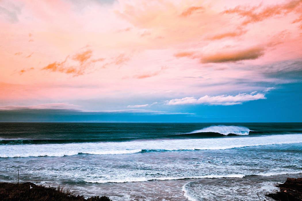 olas en el surf